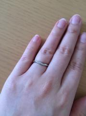 【4℃(ヨンドシー)の口コミ】 指輪の似合わないタイプの指なので、とにかく私の指でもあうものを、と思い…