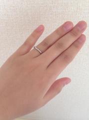 【アイプリモ(I-PRIMO)の口コミ】 シンプルなデザインで女性側だけ小さ目なダイヤがついていることと、生後間…
