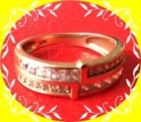 【AVALANCHE(アバランチ)の口コミ】 主人の希望で細めの指輪ではなく太めの物を探していました。 ピンクゴール…