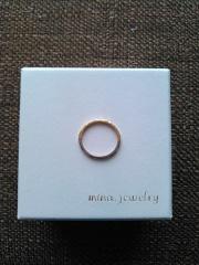 【mina.jewelry(ミナジュエリー)の口コミ】 結婚指輪らしくないデザインの指輪が他のブランドではなかったため、こちら…