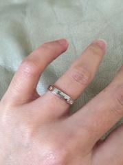 【グッチ(GUCCI)の口コミ】 いままで丸い指輪しか知らなかったので、8角形を見たときはおもわずオシャ…