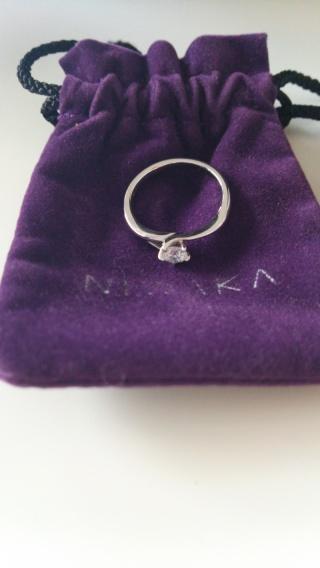 【俄(にわか)の口コミ】 ・初桜(ういざくら)という名が日本らしくてきれい。 ・結婚指輪と婚約指…