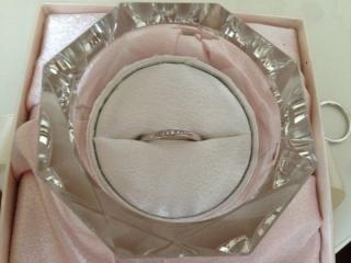 【JEWELRY  KAMATA(ジュエリーかまた)の口コミ】 結婚指輪はずっとつけるものなので、シンプルすぎても嫌だし、可愛さも入っ…