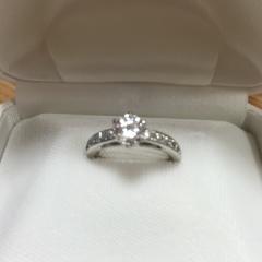 【WATANABE / 宝石・貴金属 渡辺の口コミ】 ダイヤモンドの説明を詳しくしてくださり、とても親切に対応して頂きました…