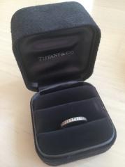 【ティファニー(Tiffany & Co.)の口コミ】 婚約指輪は、一粒石のデザインが定番ですが、結婚式やパーティーなどの華や…