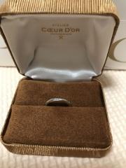 【COEUR D'OR(クゥドール)の口コミ】 結婚指輪は婚約指輪と重ね付けをする予定でしたので重ね付けをしてもおか…
