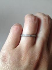【銀座ダイヤモンドシライシの口コミ】 シンプルなデザインでダイヤモンドが少し入っているものを探していました…