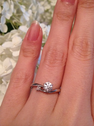 【アイプリモ(I-PRIMO)の口コミ】 ピンクが大好きなので、小さめのピンクダイヤが入っているものを探していま…