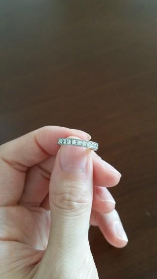 【ジュエリーハナジマの口コミ】 元々指のサイズが3.5号と小さいためオーダーメイドを考えていて婚約指輪…