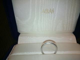 【AHKAH(アーカー)の口コミ】 とてもスタイリッシュで素敵なデザインというところがポイントです。ダイ…