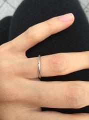 【ケイウノ ブライダル(K.UNO BRIDAL)の口コミ】 シンプルな結婚指輪を探していて、付けていても男女共にあまり目立たず、…