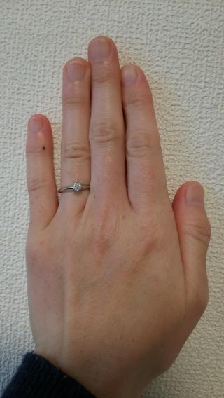 【ティファニー(Tiffany & Co.)の口コミ】 プロポーズをしてもらったときに彼からいただいた指輪です。 いろいろな種…