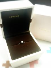 【アイプリモ(I-PRIMO)の口コミ】 結婚指輪との相性を考え、シンプルなデザインを希望していました。一見よく…