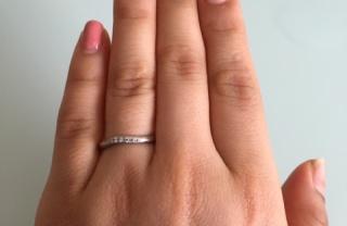 【4℃(ヨンドシー)の口コミ】 婚約指輪を4℃で購入したので、重ねづけしやすいように同じブランドで購入…
