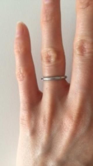 【ティファニー(Tiffany & Co.)の口コミ】 結婚指輪は絶対同じ物を付けたくて男女関係ない色とデザインにしたくて、そ…