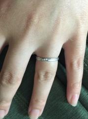 【アイプリモ(I-PRIMO)の口コミ】 フォルムで決めました。 あとは女性用のダイヤと、ペアデザインのくすみ加…