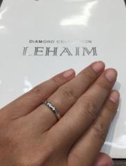 【LEHAIM(レハイム)の口コミ】 丸みのある形で日常的に着けやすいリングを探していました。槌目模様がシ…