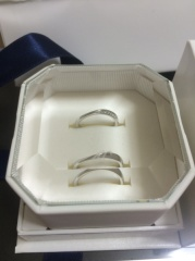 【4℃(ヨンドシー)の口コミ】 指輪が短い方なので、細めでスタイリッシュなものを探していました。且つ、…