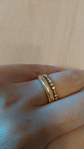 【AHKAH(アーカー)の口コミ】 マリッジリングと重ねづけしたかったのでダイヤのデザインを探していて、…