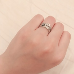 【ORECCHIO(オレッキオ)の口コミ】 華奢ではなく幅が広めのリングで人と被らないようなデザインを探していた…