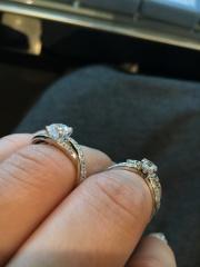 【WATANABE / 宝石・貴金属 渡辺の口コミ】 シンプルなデザインも素敵ですがゴージャスな指輪に憧れがあり、悩みに悩ん…