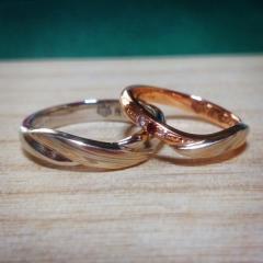 【杢目金屋(もくめがねや)の口コミ】 セミオーダーメイドできるのはもちろんのこと、和な雰囲気の指輪は珍しく…