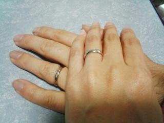 【アイプリモ(I-PRIMO)の口コミ】 二人で買いに行きました。彼女が以前からシンプルな指輪をしていたので今…