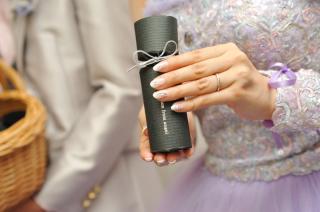 【ラザール ダイヤモンド(LAZARE DIAMOND)の口コミ】 婚約指輪と重ね付けしたときに合うもので、結婚指輪だけでつけてもきれいに…
