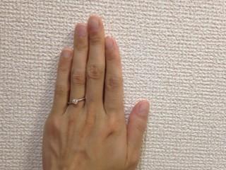 【ラザール ダイヤモンド(LAZARE DIAMOND)の口コミ】 ダイヤモンドの台がたてづめになっているのですが、昔のようにダイヤモンド…