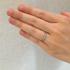 【4℃(ヨンドシー)の口コミ】 結婚指輪のみの購入に決めていました。私の指輪は今後また指輪をプレゼン…