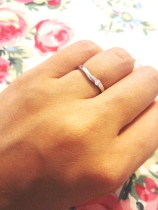 【TRECENTI(トレセンテ)の口コミ】 結婚指輪にもダイヤがついていてほしかったので、こちらのリングに致しま…