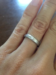 【アイプリモ(I-PRIMO)の口コミ】 結婚後はずっと結婚指輪をしていたかったのでシンプルな物を探していまし…