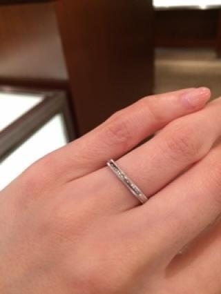 【ティファニー(Tiffany & Co.)の口コミ】 結婚指輪はシンプルで飽きのこないデザインのものが希望でした。 また、石…