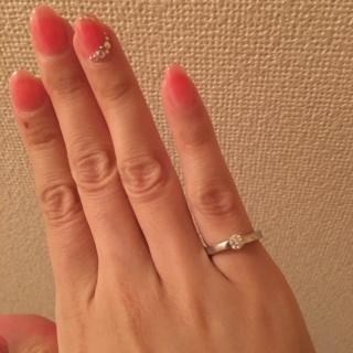 【ラザール ダイヤモンド(LAZARE DIAMOND)の口コミ】 結婚指輪と違い、たまにつけるものだからこそ、豪華なものを選びたかったで…
