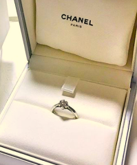 【シャネル(CHANEL)の口コミ】 婚約指輪は結婚指輪の後に購入しました。なぜ婚約指輪が後になったかとい…