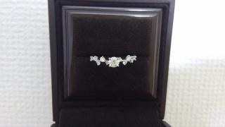 【アイプリモ(I-PRIMO)の口コミ】 結婚指輪と一緒に選んだのですが、結婚指輪をシンプルな物にしようと決めて…