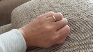 【BRIDGE(ブリッジ)の口コミ】 指が短いのでなかなか似合うリングが見つからず。試着した時に一番しっく…