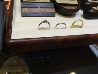 【COLANY(コラニー)の口コミ】 すっと指に馴染む指輪です。いろんなデザインがたくさんあり、とっても悩…