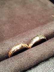 【HEART ISLAND(ハートアイランド)の口コミ】 「人とかぶらない」というのが私たちの結婚指輪を選ぶ上でのテーマでした。…