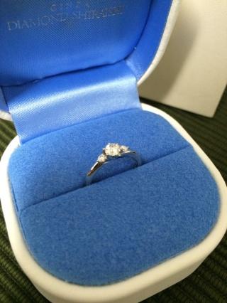 【銀座ダイヤモンドシライシの口コミ】 婚約指輪を探しに、神戸のお店をいろいろまわった上で、こちらの銀座ダイ…