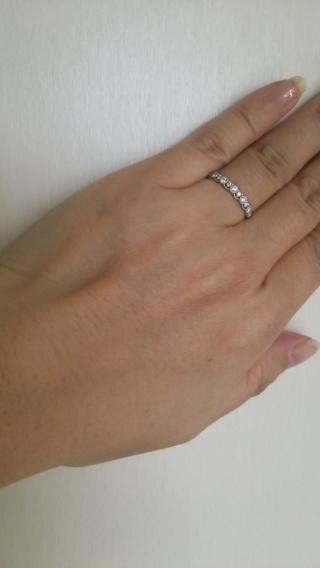 【LUCIE(ルシエ)の口コミ】 付け心地を重視し、また 結婚指輪と重ねづけをしても違和感のない、細めの…