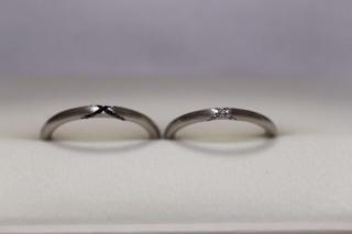 【Sirena Azzurro(セイレーン アズーロ)の口コミ】 丸いフォルムの指輪が珍しいと思ったのと、細身でデザインも変わっていて気…