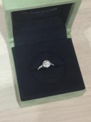 【ヴァン クリーフ&アーペル(Van Cleef & Arpels)の口コミ】 婚約指輪でも普段から少しいいところへお出かけする時など、ファッション…