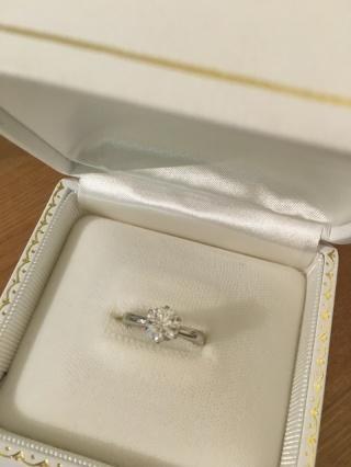 【ガラOKACHIMACHIの口コミ】 婚約指輪選びの基準は、デザインよりもダイヤモンドの大きさと質の良さに…