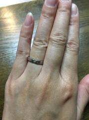 【ハリー・ウィンストン(Harry Winston)の口コミ】 デザインが主張しすぎず、かつ存在感もあって、ダイヤが入っている結婚指…
