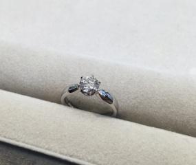 【LEHAIM(レハイム)の口コミ】 一生モノの記念の指輪なので、大粒ダイヤモンドで探していました。年を重…
