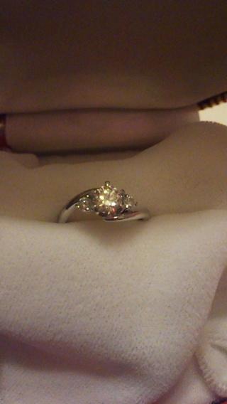 【中央宝石研究所の口コミ】 予算は30万位で探してたので、そこからデザインを選ぶのにダイヤモンドが…