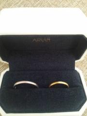 【AHKAH(アーカー)の口コミ】 夫婦ともどもシンプルで細い指輪を希望し探していたところ、こちらがぴった…