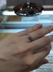 【LEHAIM(レハイム)の口コミ】 シンプルでダイヤが際立ってるのがいい。私が派手なものがあまり好きではな…
