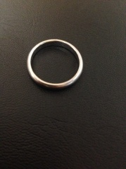 【カルティエ(Cartier)の口コミ】 結婚指輪購入に何軒かまわりしたが、カルティエに勝るシンプルさと輝きを…
